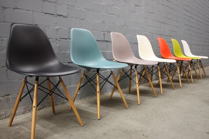 Разнообразие цветов стульев