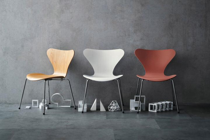 Стулья 7 серии от датского дизайнера