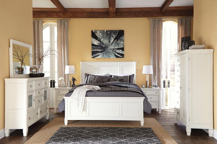 Симметричные комоды в спальне