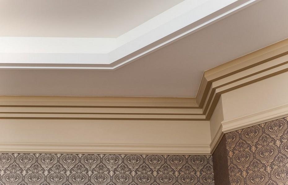 Потолочный фриз и сложная конструкция потолка