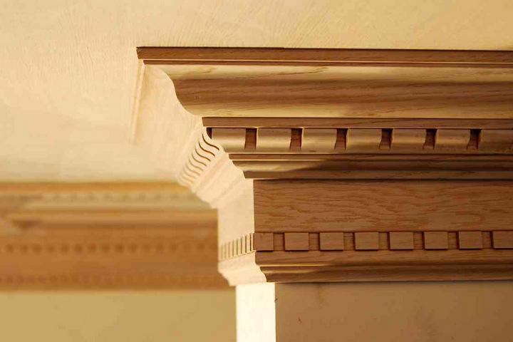 Деревянный потолочный фриз
