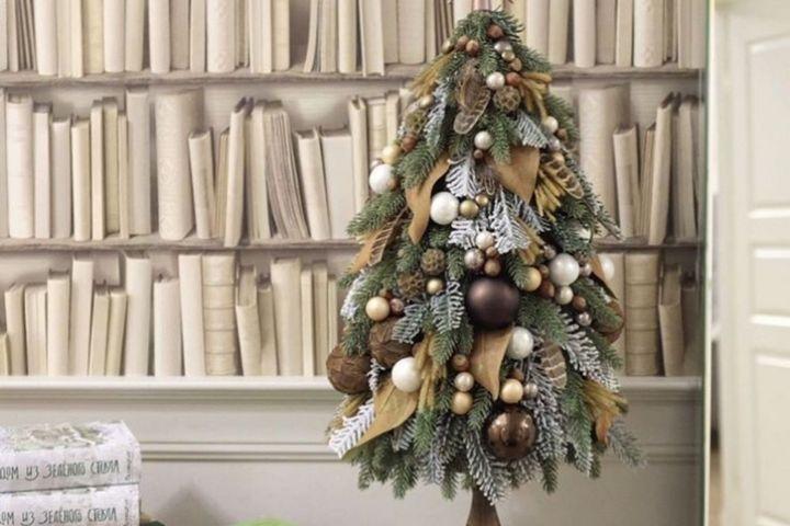 Настольная декоративная елка