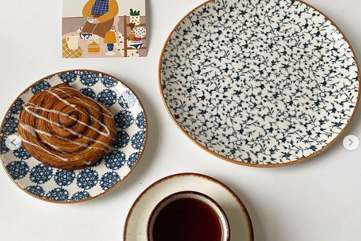 Фарфоровые тарелки с принтом в стиле Прованс