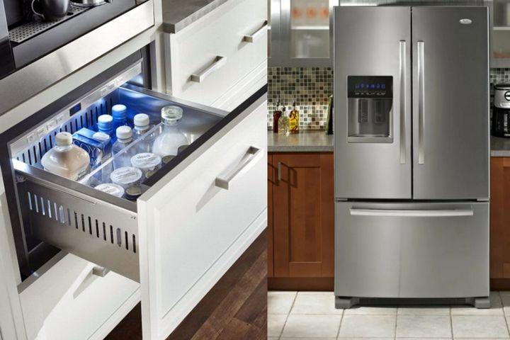 Большой холодильник и встроенная охладительная камера в тумбе