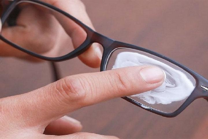 Чистка оптики антисептиком