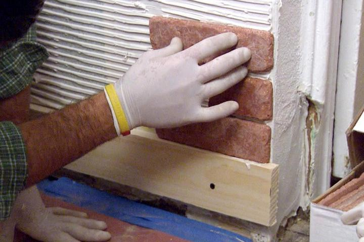 Укладка гипсовой плитки от угла