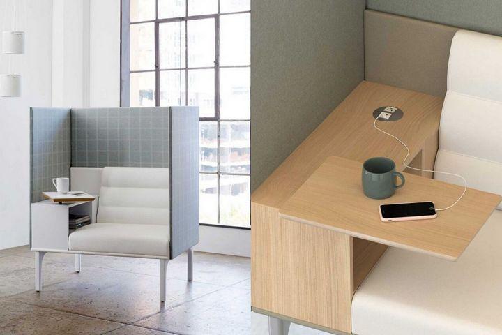Кресло-кабинет с розеткой