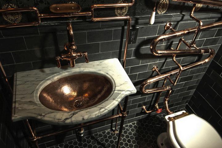 Трубы открытого монтажа в ванной