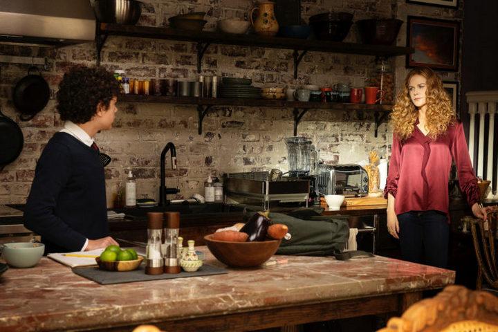 Кухня в деревенском стиле с кирпичной кладкой