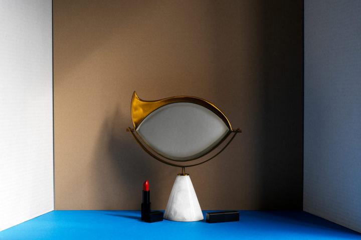 Зеркало в форме глаза