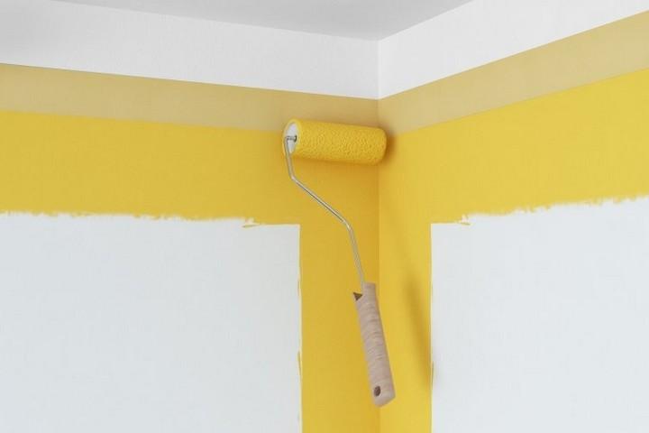 Прокрашивание верхней части стен