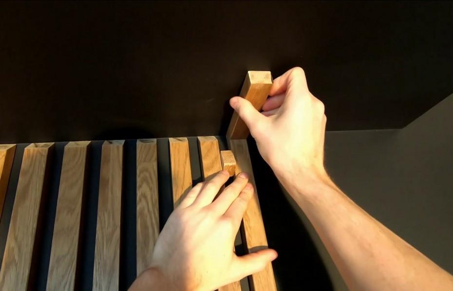 Монтаж реек на стене и потолке