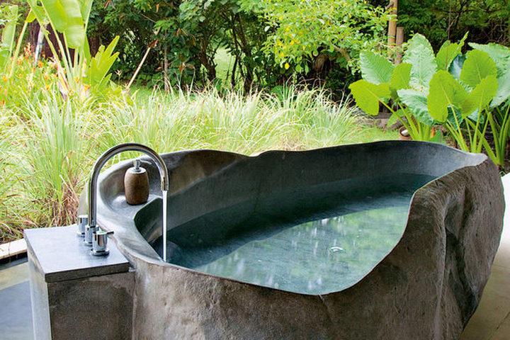 Ванна из цельного камня