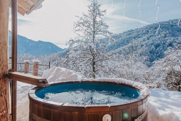 Горячая ванна на горе Красной поляны