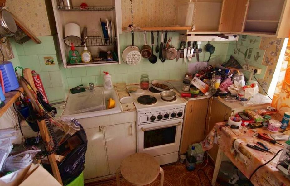 Заваленная кухня