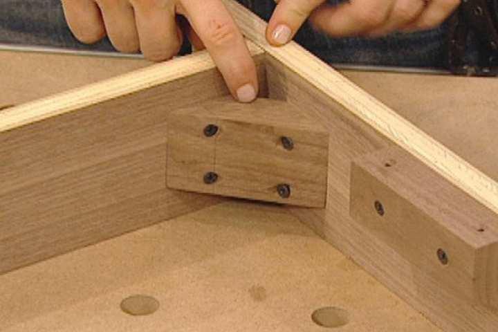 Починка деревянного каркаса дивана