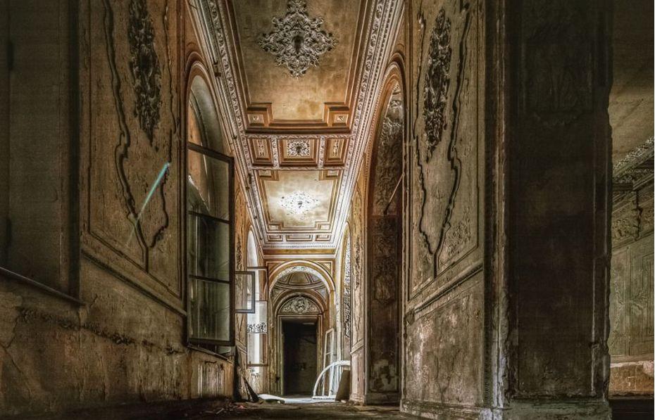 Исторический интерьер бывшего особняка