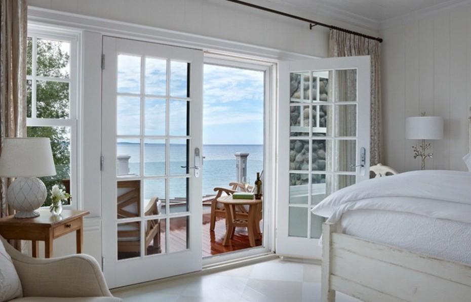 Распашные французские двери на балкон