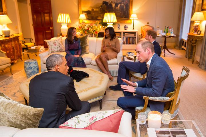 Гостиная квартиры во время встречи с супругами Обама