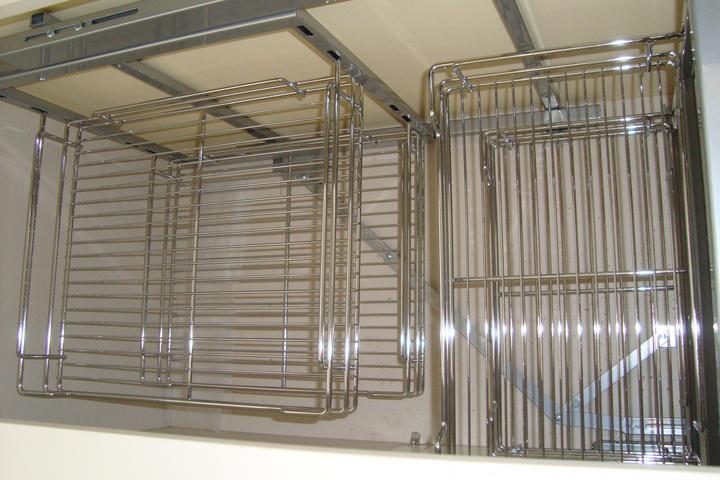 Решетчатые ящики для хранения в тумбе