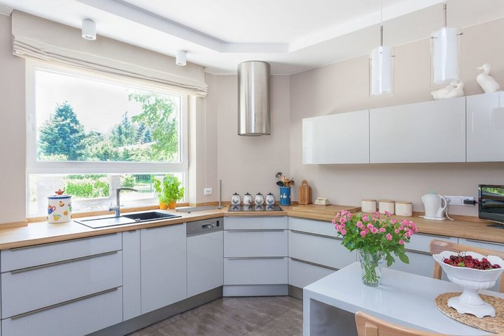 Натуральная цветовая гамма кухни