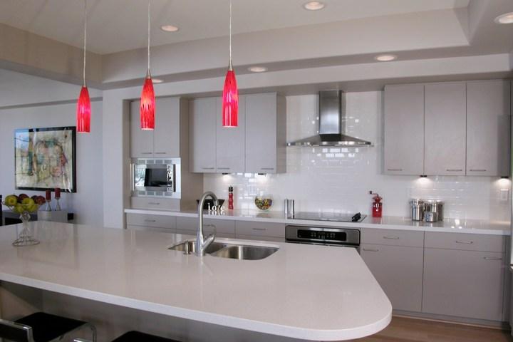 Продуманное освещение на кухне