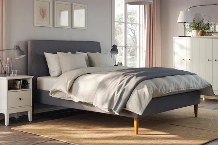 Кровать с мягкой обивкой Иданэс