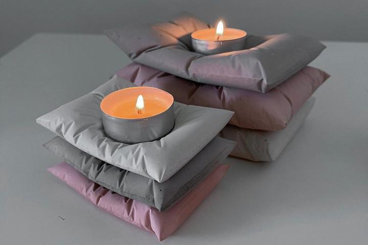 Декоративные подсвечники в форме подушки из бетона