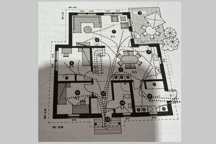 Карта перемещений по квартире всех членов семьи
