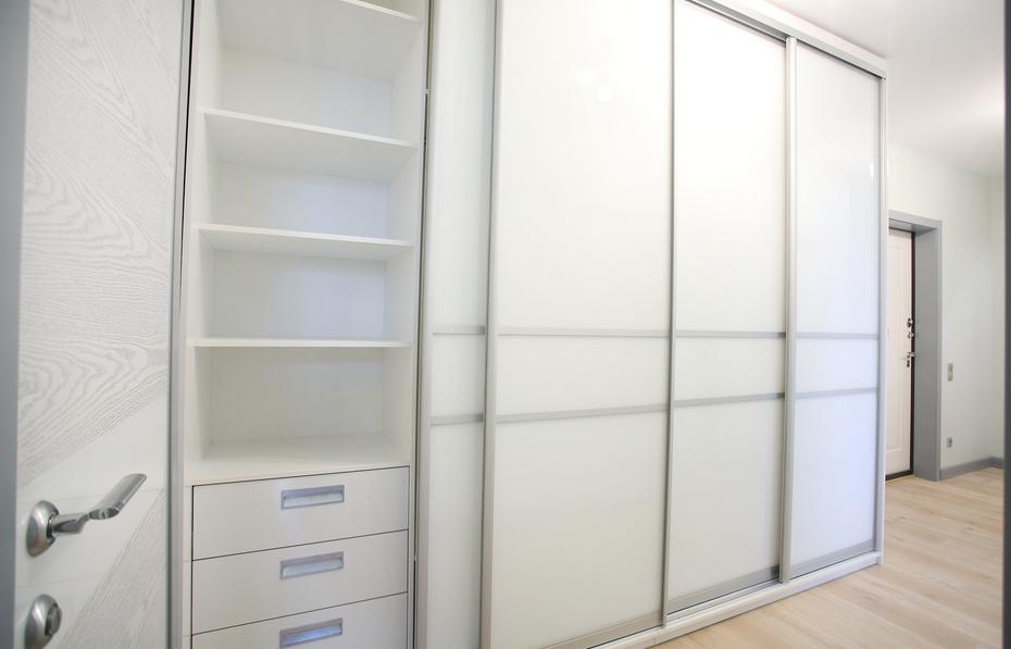 Шкаф в продуманным хранением