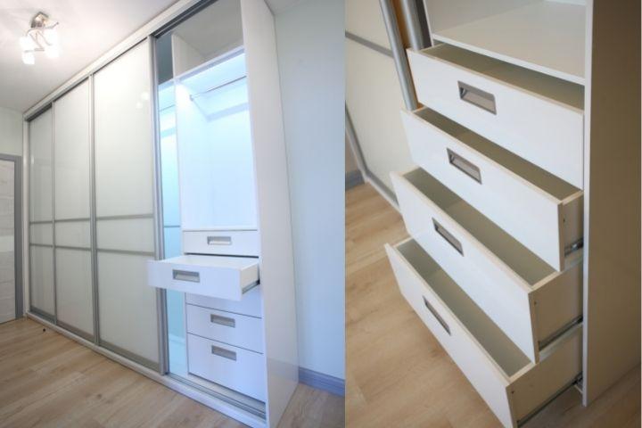 Выдвижные ящики в отделениях шкафа