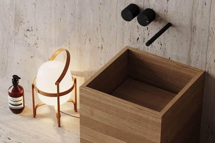 Деревянная раковина-куб в индустриальном интерьере